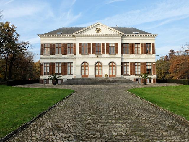 Schoonselhof, Antwerp, Cemetery, Castle
