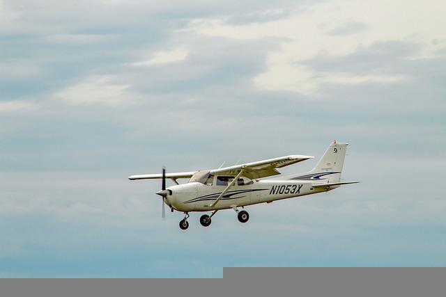 Cessna, 172, Landing, Pilot, Aircraft, Propeller, Sky