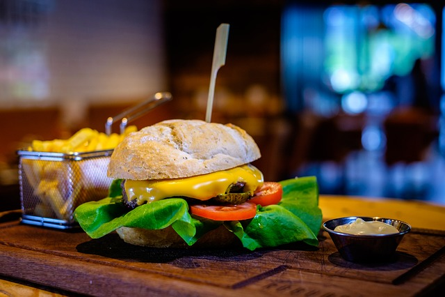Hamburger, Restaurant, Food, Meal, Lunch, Cheeseburger