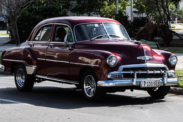 Cuba, Havana, Vedado, Almendron, Taxi, Chevy, Purple