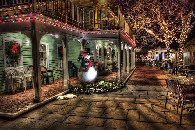 Snowman, Town, Urban, Christmas Decoration, Christmas