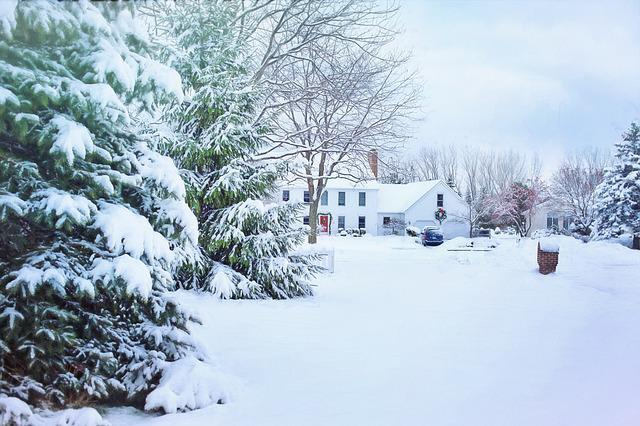 Christmas House, Snowy Neighborhood, Snow, Winter