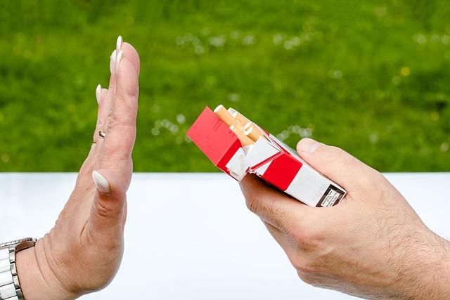Non Smoking, Cigarette Box, Cigarettes, Hands, Reject