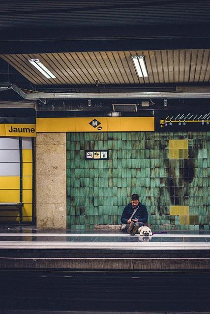 Metro, Barcelona, Hold On, City, Station, Transport