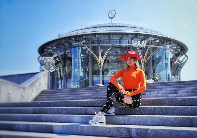 Modern Style, City, Building, Girl