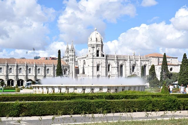 Lisbon, Portugal, Castle, Fountain, Outside Art, City