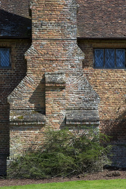 Tudor Brickwork, Chimney, Architecture, Clay Tiled Roof