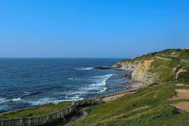 France, Saint Jean De Luz, Cliff, Atlantic Ocean