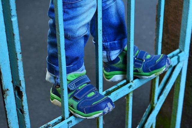 Child, Climbing, Dangerous, Children's Shoes, Iron Rods