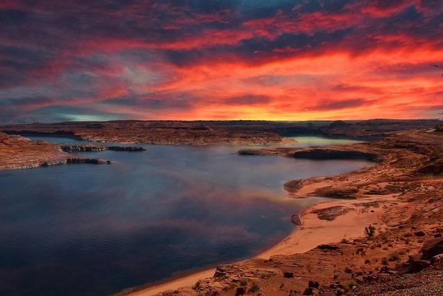 Lake Powell, Arizona, Sunrise, Glowing, Sky, Clouds
