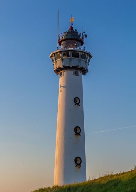 Lighthouse, Tower, Coast, Building, Daymark