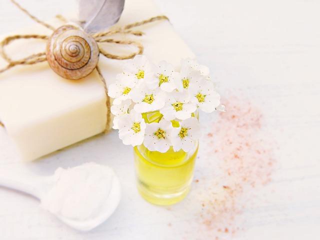 Soap, Flowers, Oil, Coconut Oil, Salt, Shea Butter, Bad