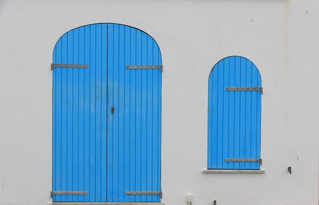 Italy, Sardinia, Alghero, Seafront, Doors, Colorful