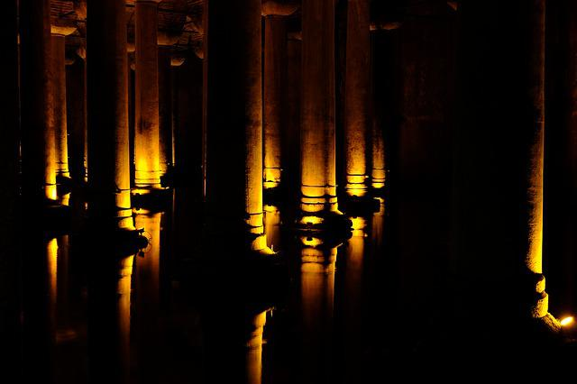 Columns, Lighting, Contrast