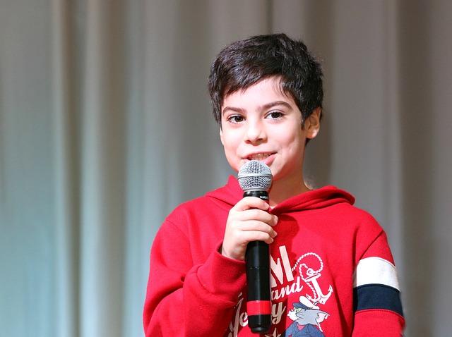 Speaker, Boy, Talk, Scene, Concert, Sing, Microphone
