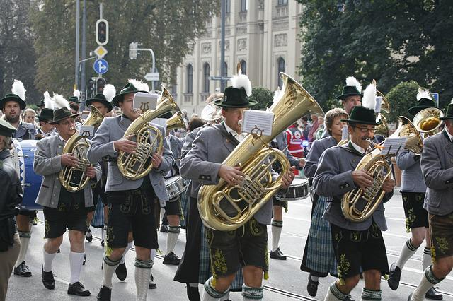 Oktoberfest, Costume Parade, Brass Band