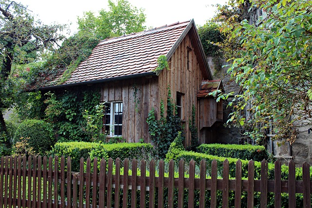 Old Wooden Hut, Garden Shed, Romantic, Garden, Cottage