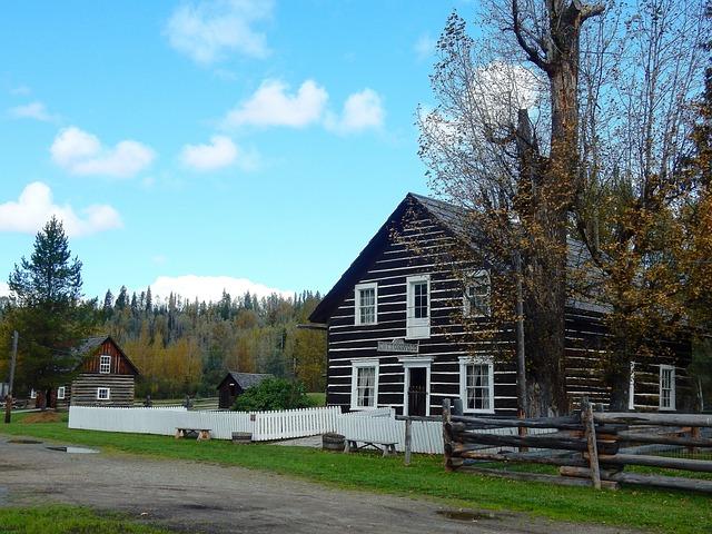 Free photo cottonwood house farm canada historically max for Cottonwood house