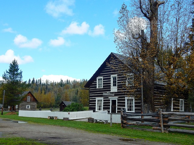 Cottonwood House, Farm, Historically, Canada
