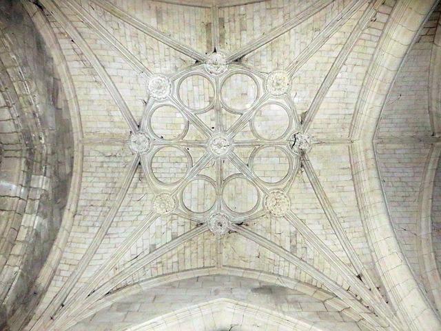 France, Coucy-le-château, Church, Vault, Transept