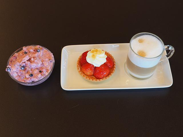 Dessert, Coffee, Strawberry Shortcake, Cream