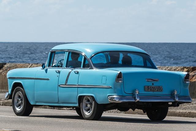 Cuba, Havana, Malecon, Almendron, Chevy, Azul, Car