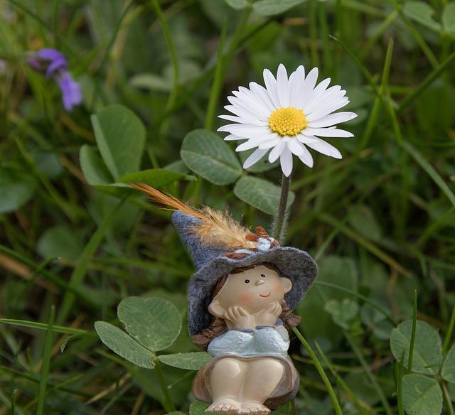 Daisy, Figure, Spring, Meadow