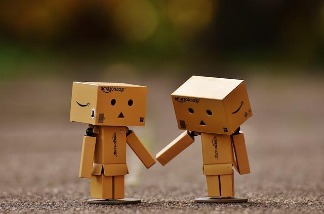 Danbo, Fig, Together, Hand In Hand, Love, Togetherness