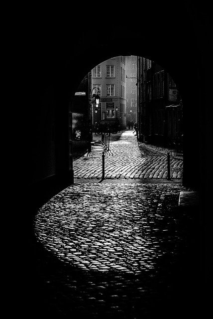 Black And White, Dark Alley, The Old Town, Pavement