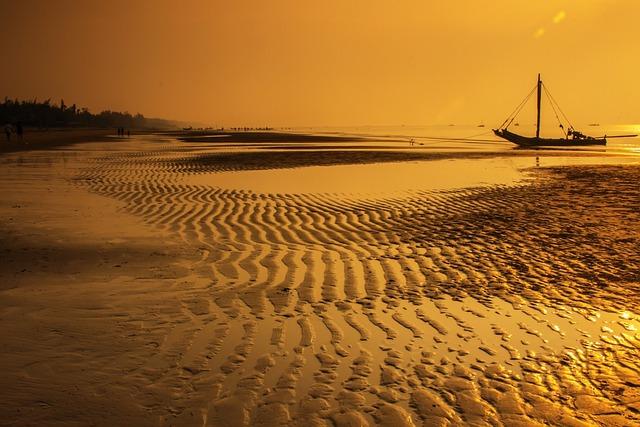 Vietnam, Beach, Dawn, Som Son Beach, Thanh Hoa, Sunrise