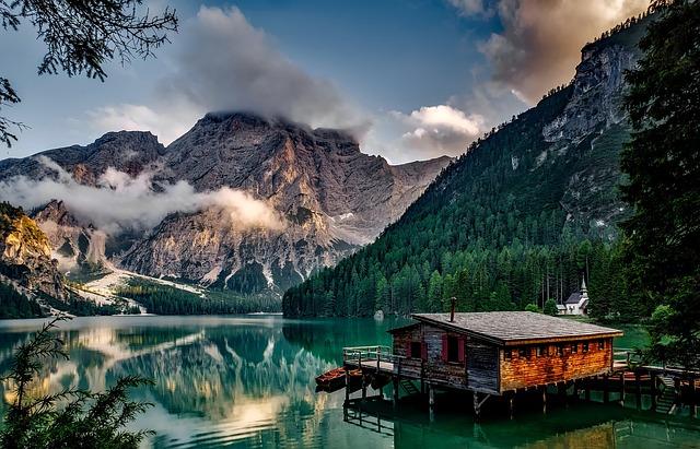 Italy, Mountains, Pragser Wildsee, Dawn, Daybreak