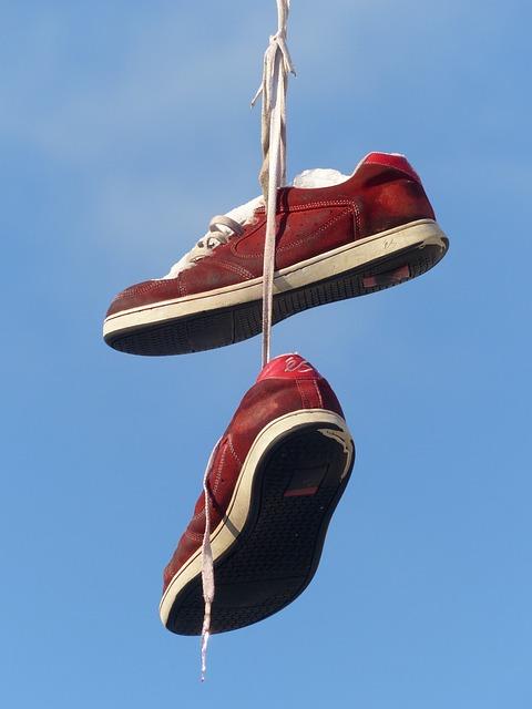 Shoes, Depend, Leash, Sky, Beautiful, Art, Red