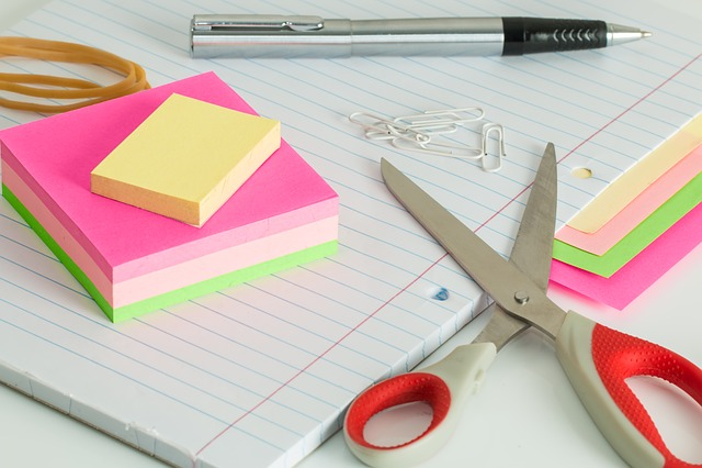 Post It Notes, Desk, Clutter, Scissors, Pen