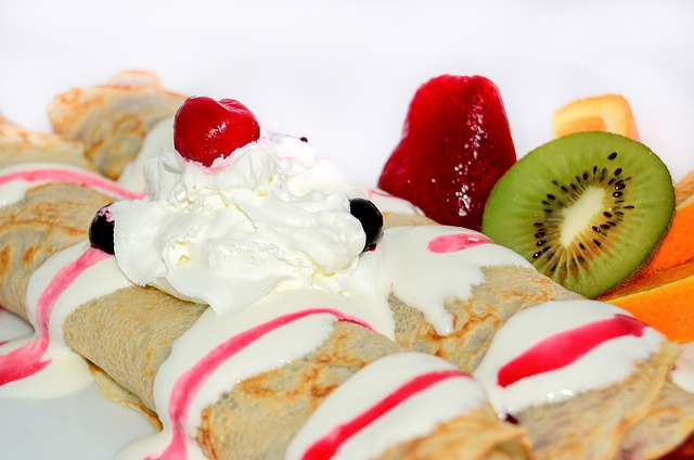 Pancakes, Dessert, Fruit, Sweets, Whipped Cream, Eating