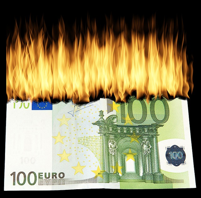 Burn Money, Burn Geldschein, Destroy Money, Finance