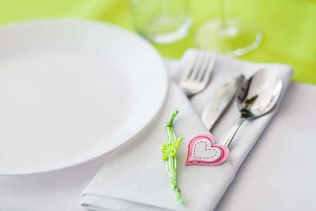 Tableware, Covering, Cutlery, Event, Dining Table
