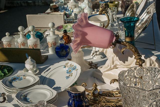 Flea Market, Lamp, Dishes, Plates, Bottles, Antiques