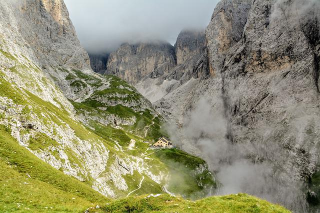 Refuge, Dolomites, Fog, Prato, Steep, Green, Rock