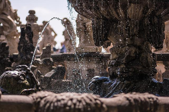 Fountain, Dresden, Zwinger, Water, Droplets