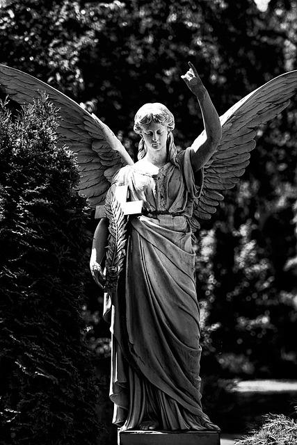 Tomb, Angel, Düsseldorf, North Cemetery