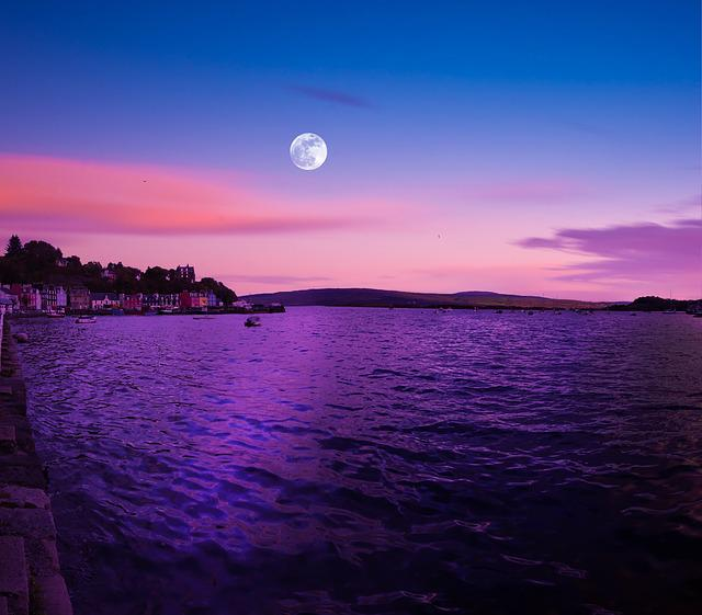 Full Moon, Scotland, Tobermory, Isle Of Mull, Dusk