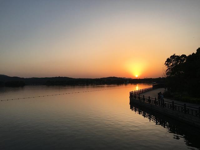 Sunset, Lakefront, Taihu Lake, Suzhou, Early Summer