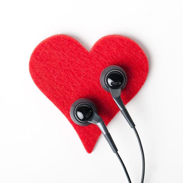 Heart, Earphones, Object, Listen, Headphones
