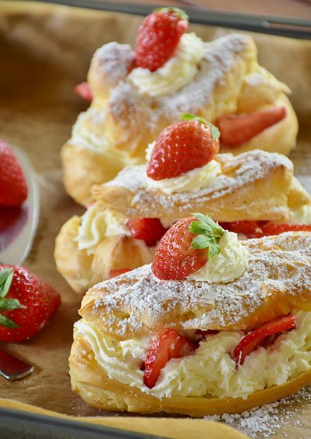 Eclair, Strawberry Cake, Strawberries, Cream
