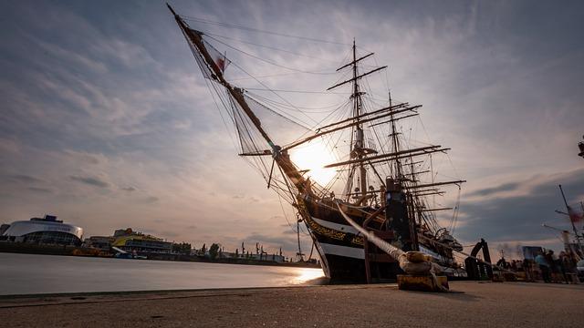 Sailing Vessel, Hamburg, Ship, Port, Water, Elbe, Boat