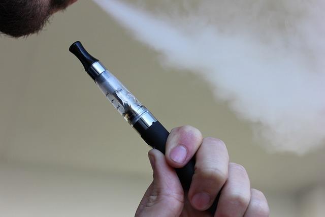 E Cigarette, Vaping, Electronic Cigarette, Vaporizer