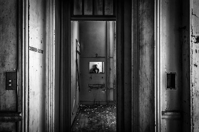 Lost Places, Mirror, Image, Pforphoto, Gloomy, Empty