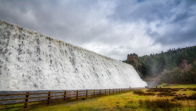 Derwent Dam, Derwent Valley, Derbyshire, England, Flood