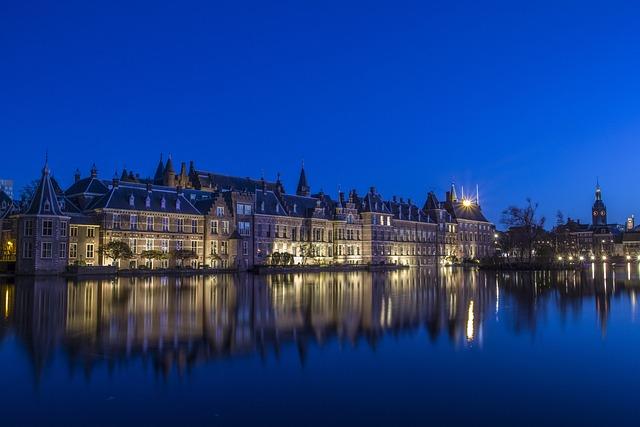 The Hague, Center, Courtyard, Evening, Reverberation
