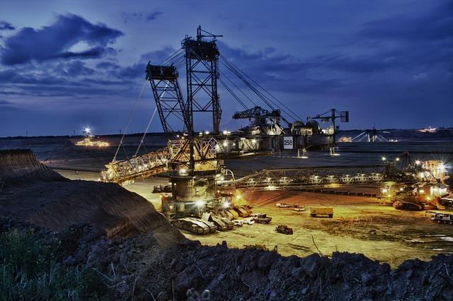 Excavators, Brown Coal, Open Pit Mining
